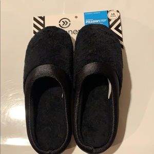 Women's Isotoner Pillowstep Slippers.